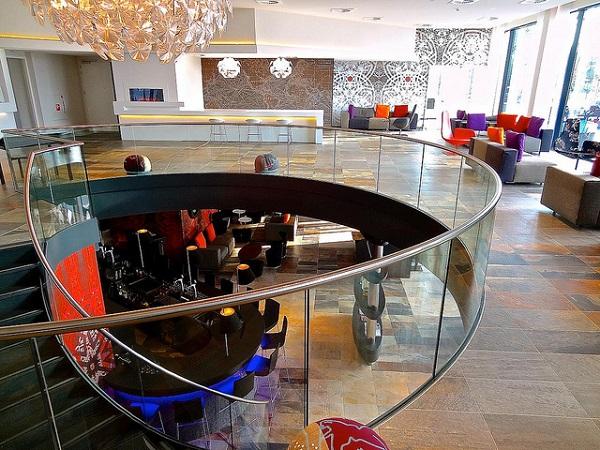 Mainport design hotel rotterdam zuid holland for Designhotel holland